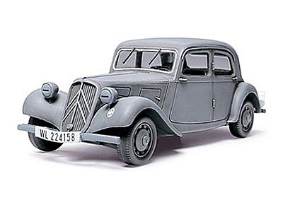 1/48 Citroen Traction 11CV (Tamiya)
