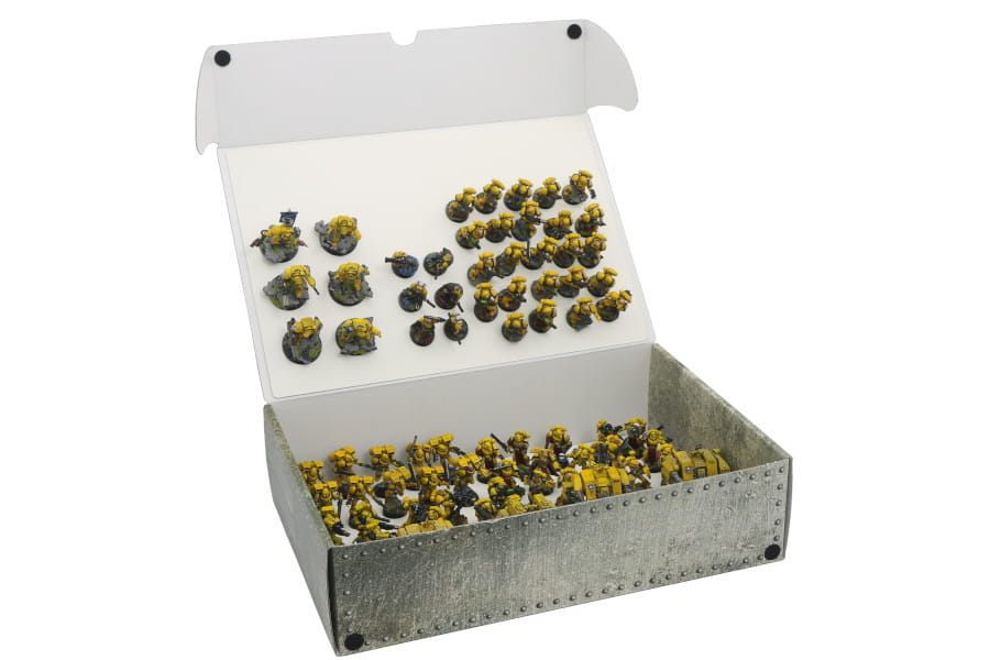 Full-size Mega Box with two plates for magnetically-based miniatures
